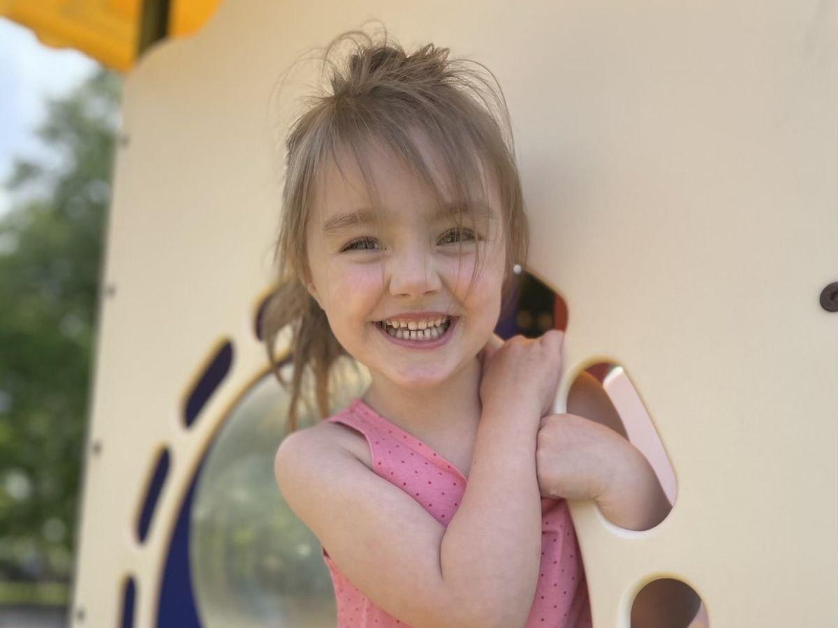 chris burdeshaw daughter