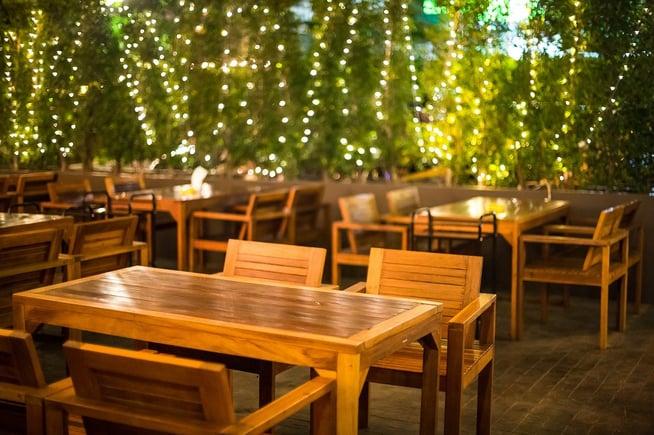 outdoor restaurant with landscape lighting