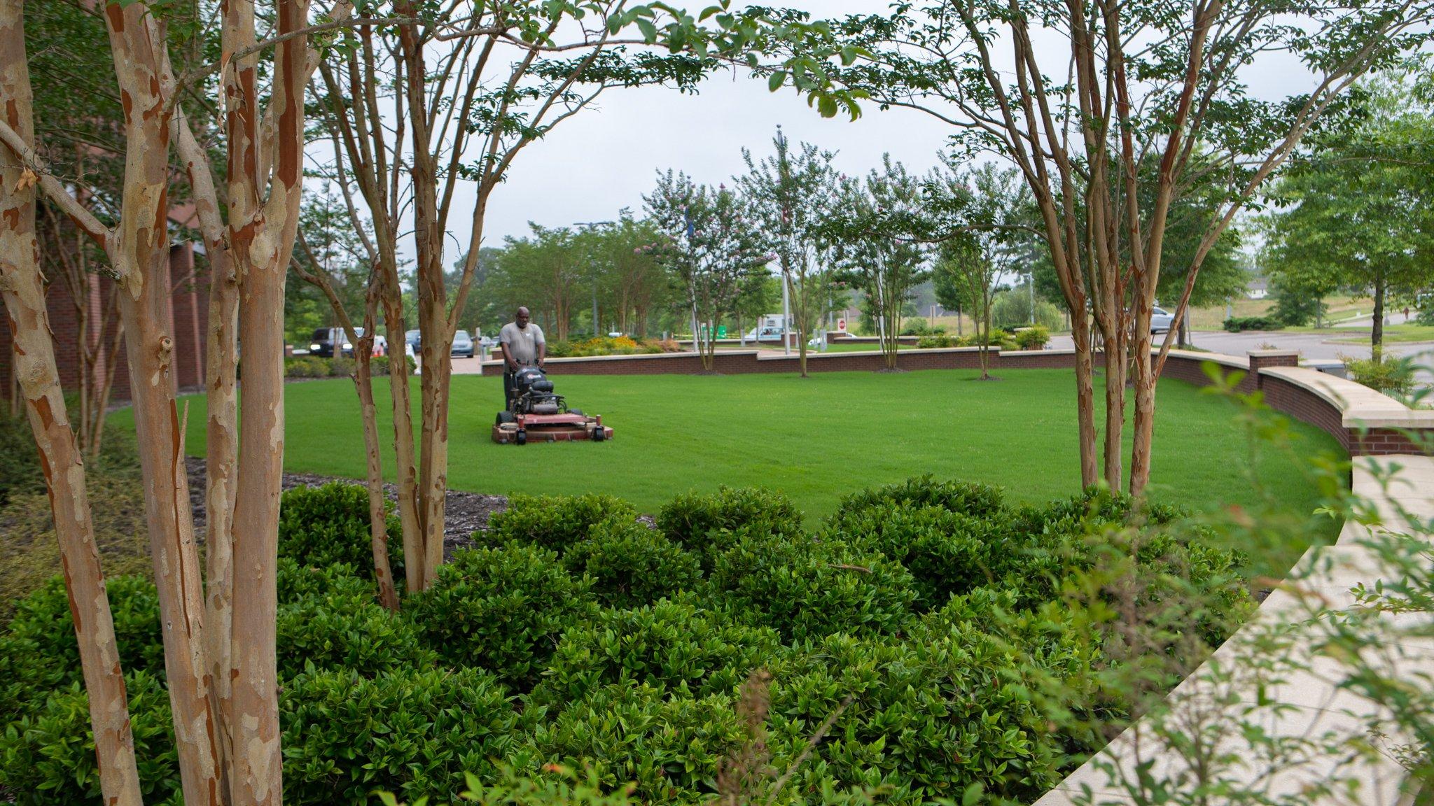 Michael Hatcher & Associates maintaining Methodist Olive Branch Hospital landscape