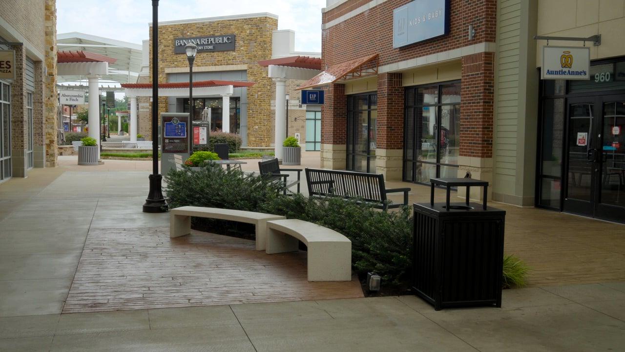 Retail center landscape shopping center courtyard