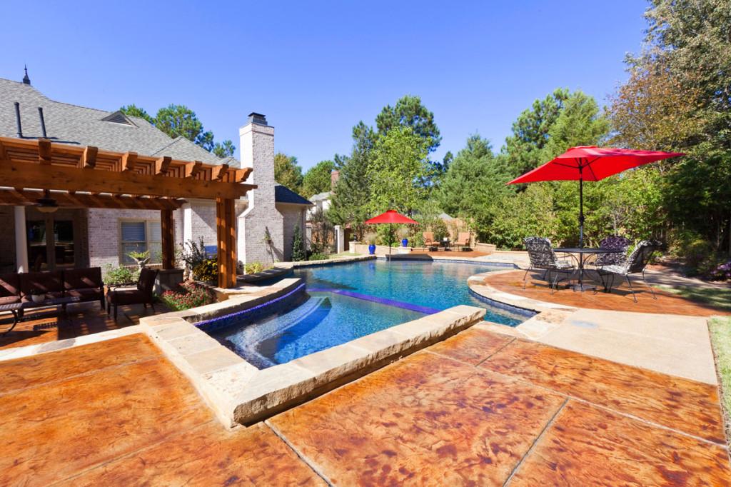 swimming pool entertainment area