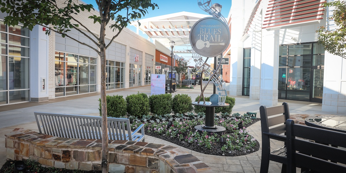 landscape design for retail centers and shopping malls