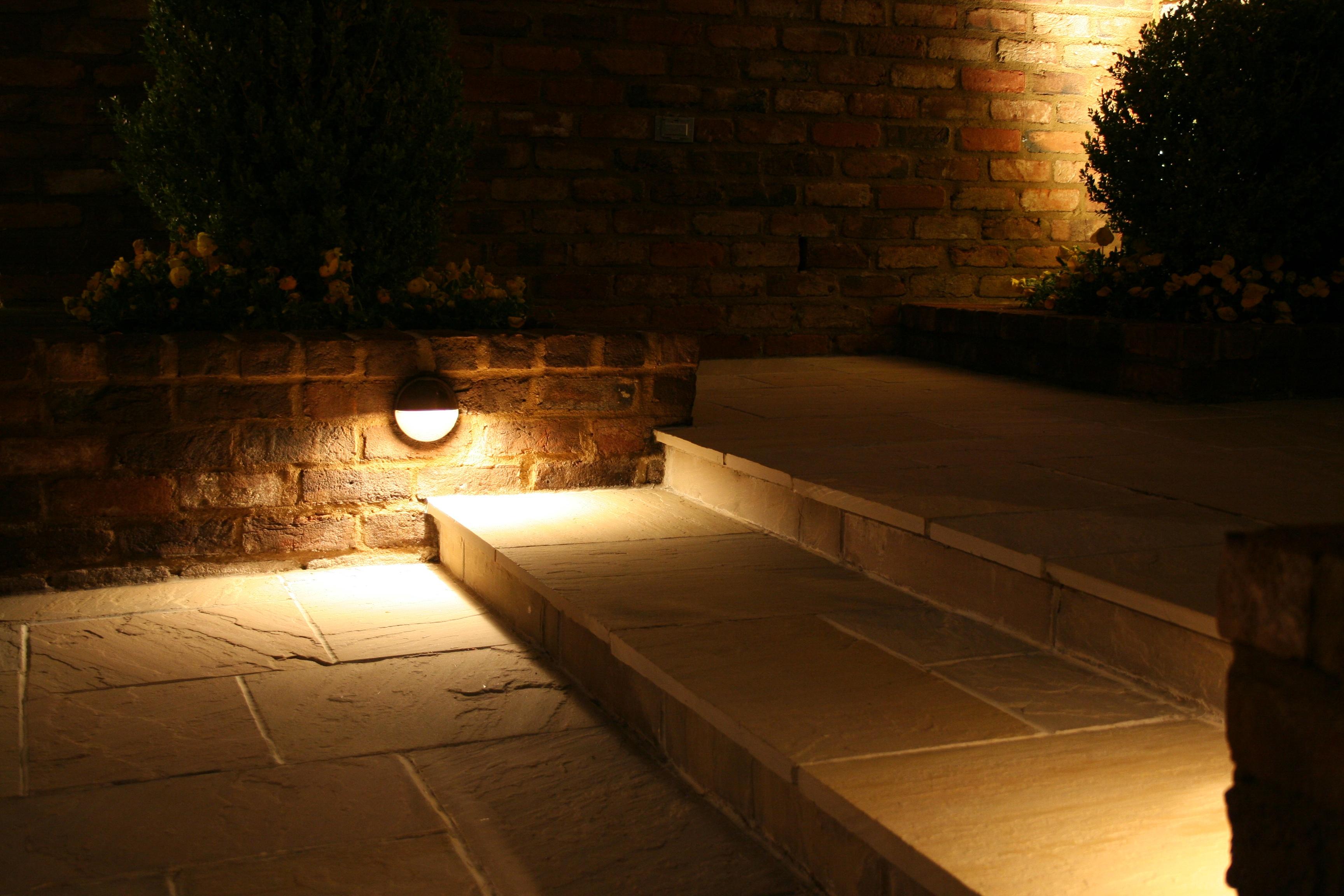 Memphis Landscape Lighting Services