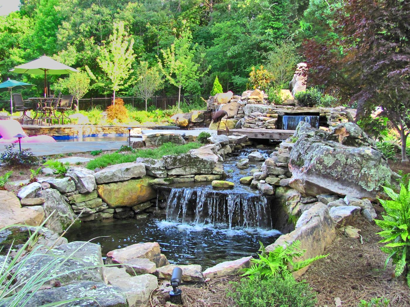 Outdoor oasis custom gunite pools michael hatcher for Garden oases pool