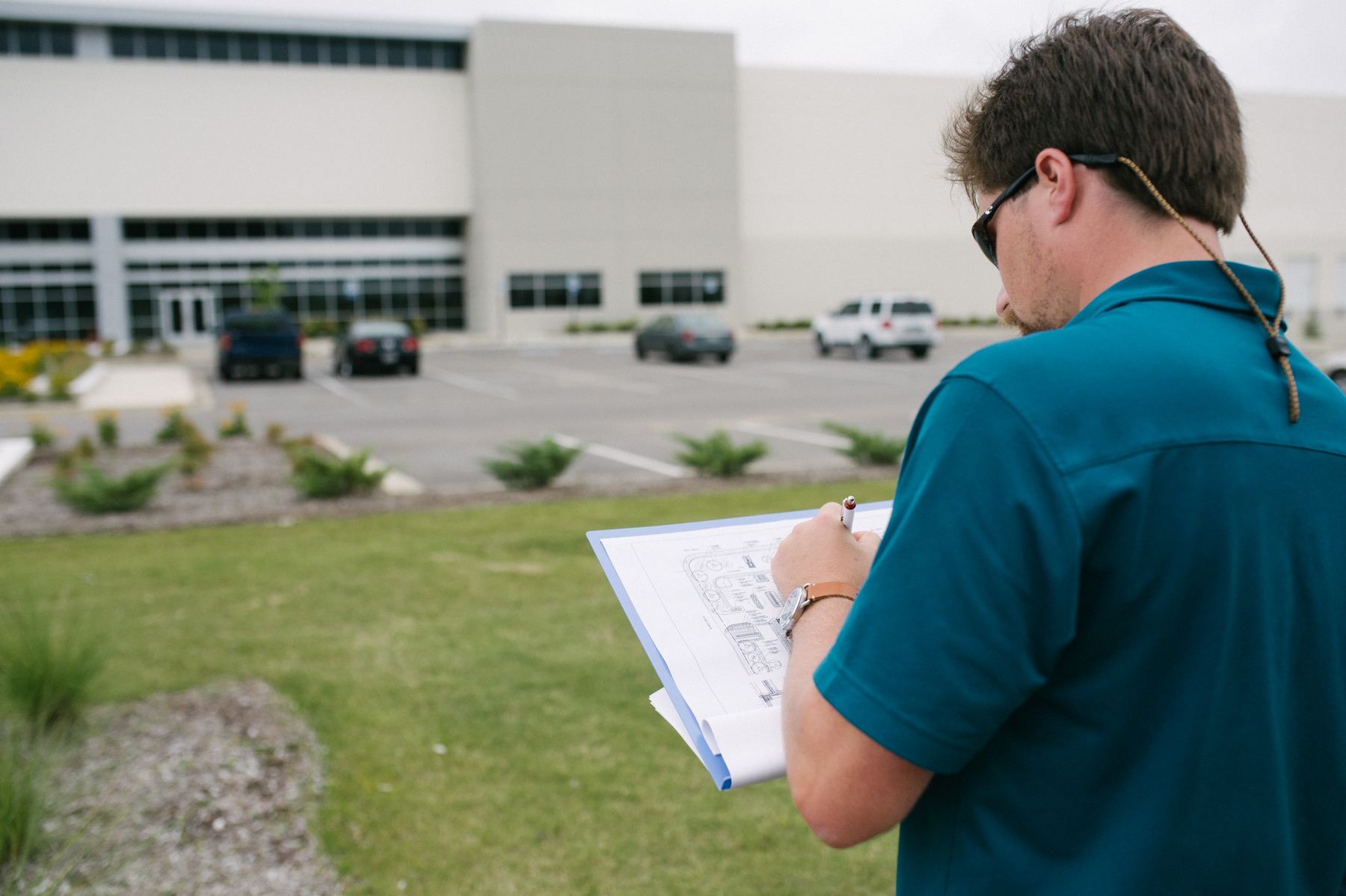 Landscaping zccount manager drawing up detailed plans