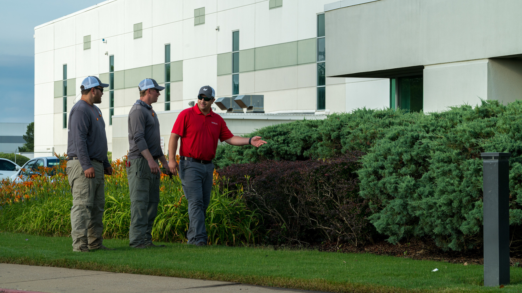 commercial landscape maintenance crew